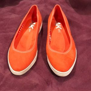 Sporty Anne Klein flats bright orange